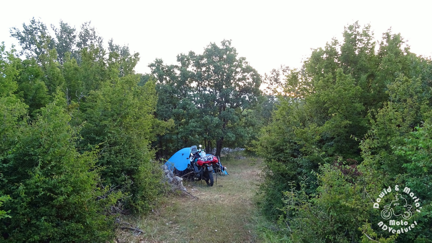Wild camping at the Peruca Lake