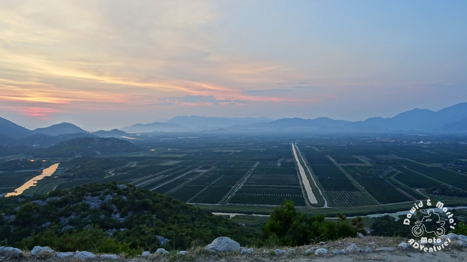 Lookout point at the fruit store in the Neretva River delta
