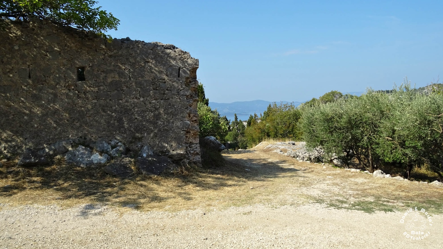 Entrance to the Smrden Grad fortress