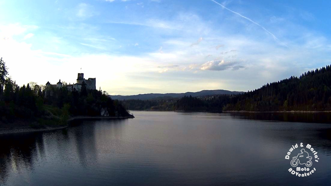 niedzica castle dam view on castle
